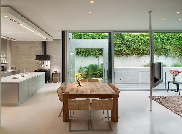 Contemporary: Open Floor Plan