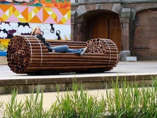 kursi taman berbahan bambu