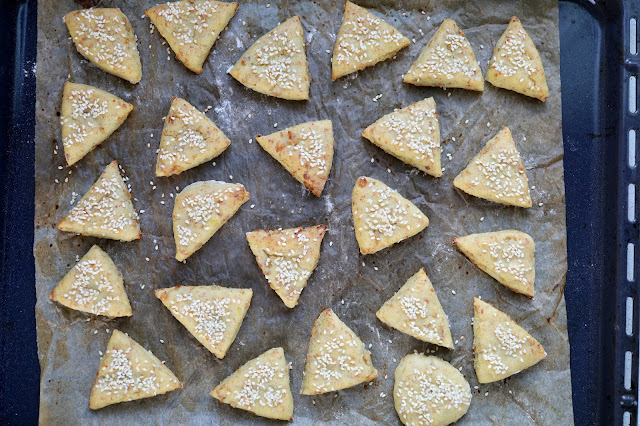 Potato triangles with meat