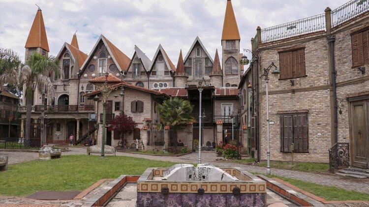 Dos rincones medievales en territorio bonaerense, Campanópolis y Castelforte