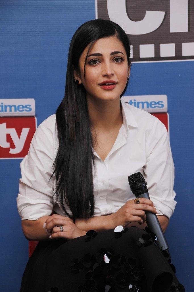 south indian actresses hot pics in saree