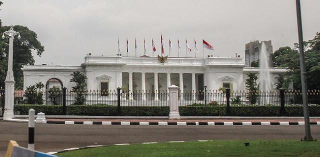 Teguran Jokowi Kepada Menteri Jangan Jadi Alasan Menaikkan Honor Buzzer