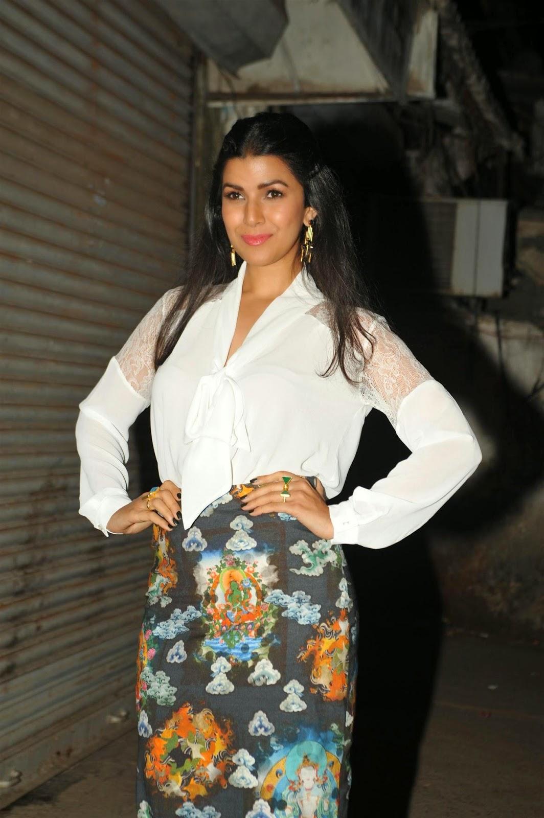 High Quality Bollywood Celebrity Pictures Nimrat Kaur -2758