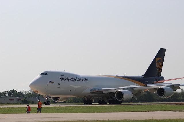 بوينج 747-8