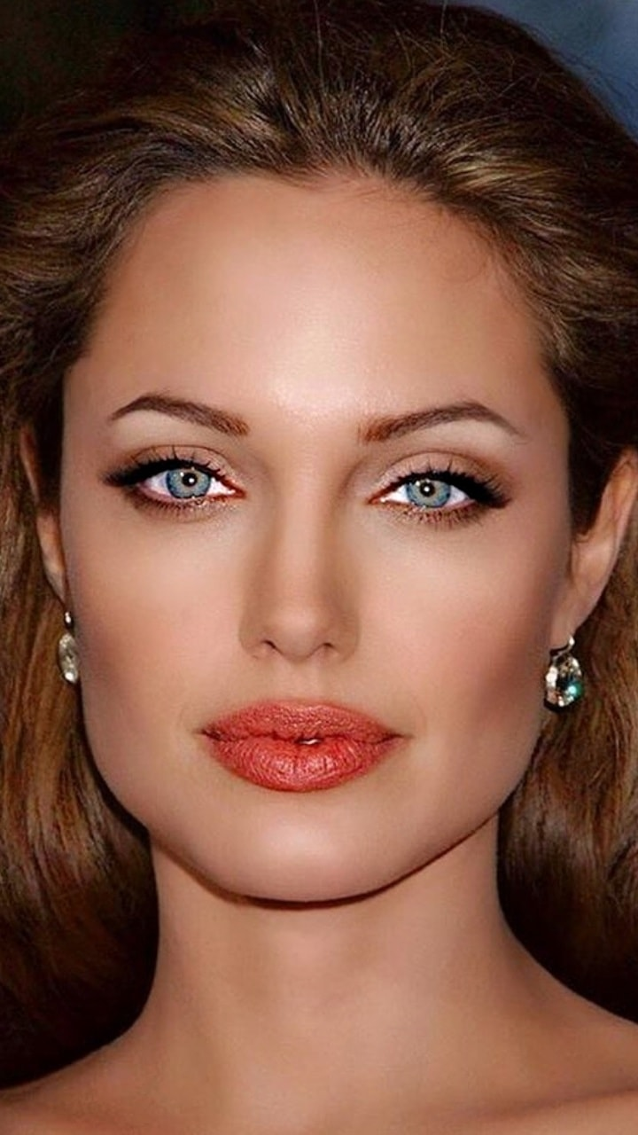 Angelina Jolie is Perfect Beauty [6 Hot Photos]