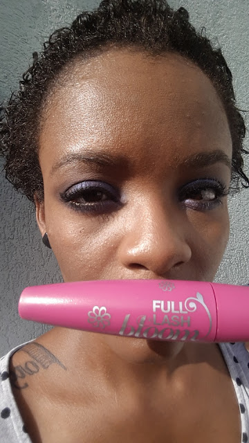 CoverGirl Full Lash Bloom Mascara applied - www.modenmakeup.com