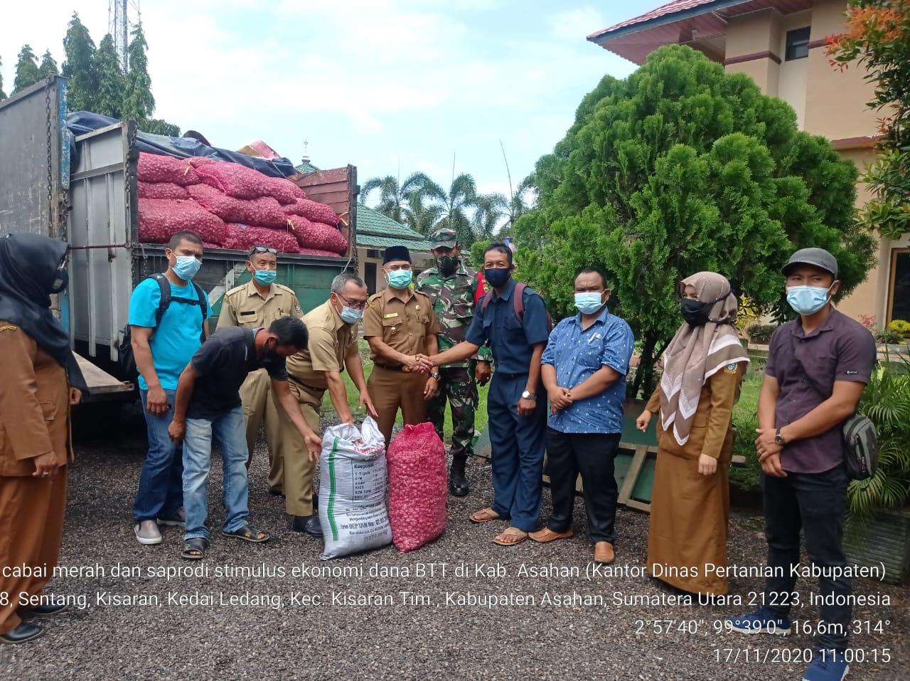 Dinas Pertanian Kabupaten Asahan Salurkan Bantuan GTPP Covid-19 Provsu Kepada Kelompok Tani.