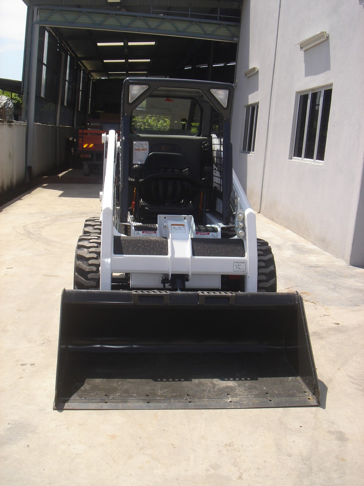 U O E  Equipment Sdn  Bhd : New Bobcat Skid Steer Loader