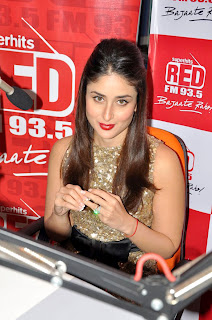 Kareena and Madhur at Red FM 93.5 studio to promote Heroine
