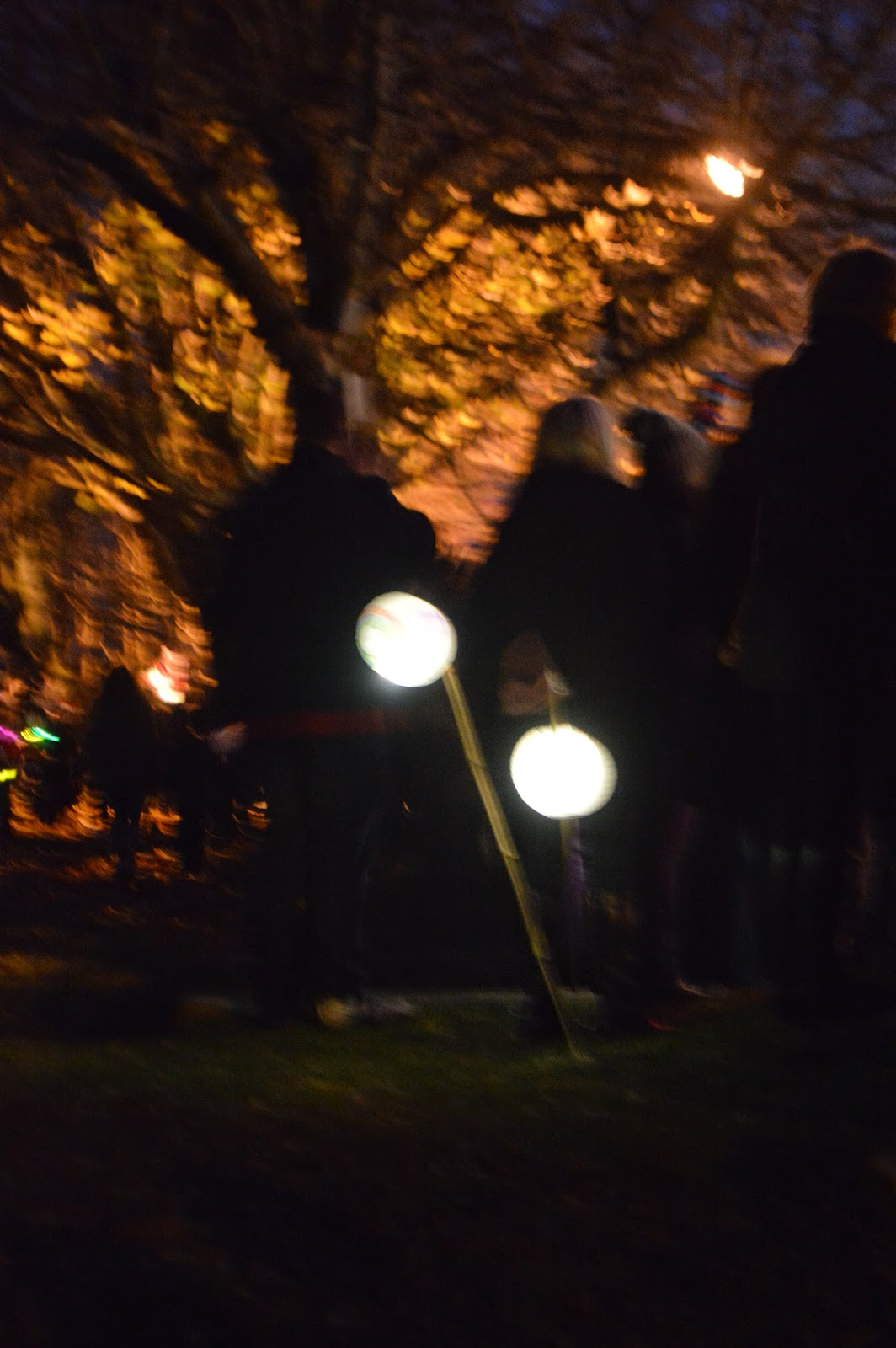 , The Lantern Parade- Let There be Light #CountryKids