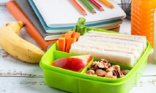 Στο πλαίσιο υλοποίησης του προγράμματος σχολικών γευμάτων σε σχολικές μονάδες που συμμετέχουν στο πρόγραμμα, διαπιστώθηκε πως ικανός αριθμός γευμάτων κάθε έτος, όπως αυτά προϋπολογίστηκαν από τον ΟΠΕΚΑ, δεν διανέμονταν, καθώς οι αιτήσεις στα σχολεία αυτά ήταν λιγότερες από αυτές που μπορεί δυνητικά να καλύψει το πρόγραμμα.