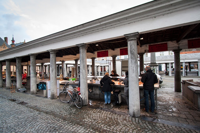 Vismarkt, il mercato del pesce-Bruges