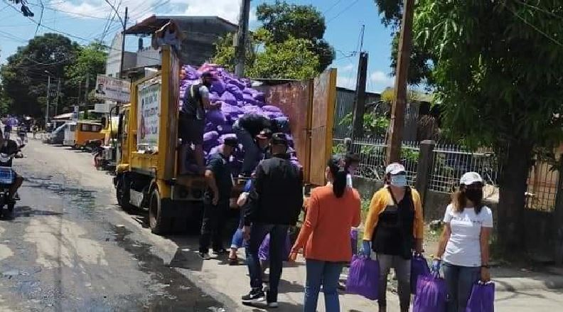 QC denies using garbage truck in delivery of COVID-19 relief goods to residents