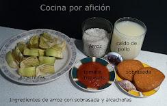 ingredientes de arroz con sobrasada y alcachofas