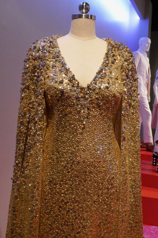 Mindy Kaling Oceans 8 Met Gala gown