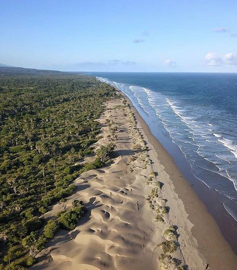 Mengeksplor Pantai Oetune dan Kolbano, Pantai Yang Sangat Unik Di NTT