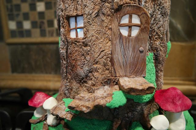 Padicakes Woodland Fairy Tree Stump Cake With Lit Windows