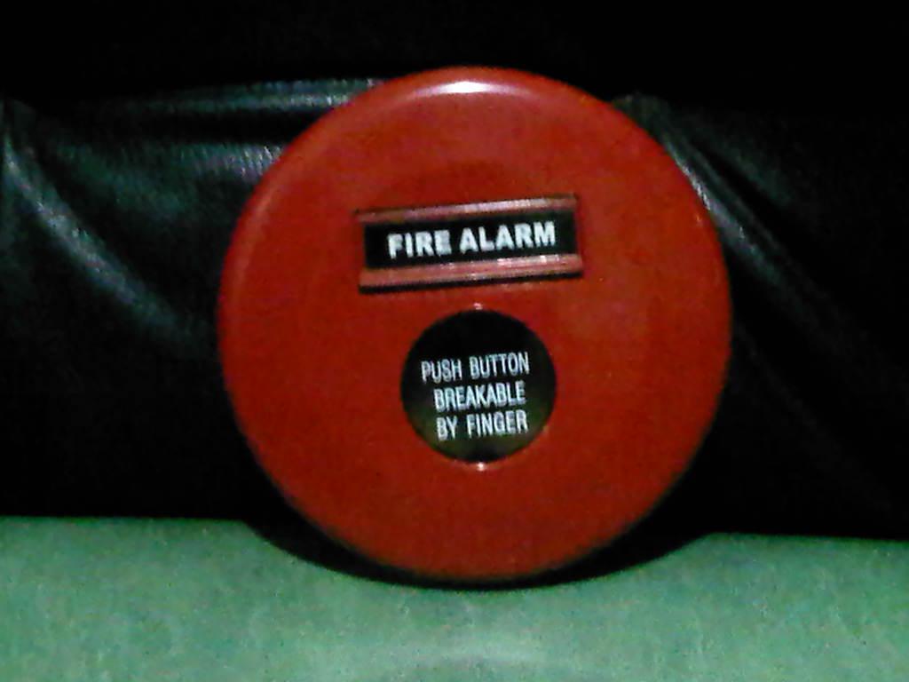 panel alarm kebakaran, fire alarm system, nohmi fire alarm, fire alarm hochiki, jenis fire alarm system, pemasangan fire alarm , skematik fire alarm, belajar sistem fire alarm, fire fire lite, smoke detector 711u
