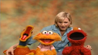 Diane Sawyer, Zoe and Elmo sing It All Adds Up. Sesame Street The Best of Elmo 2