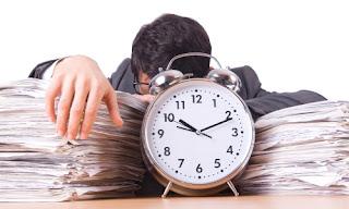 Pertimbangan Membagi Waktu Antara Usaha Sampingan dan Pekerjaan
