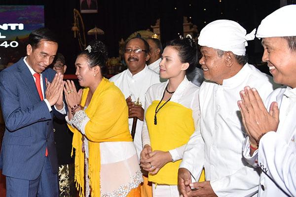 Membongkar Kejanggalan-kejanggalan Pidato Jokowi di Hadapan Relawan Galang Kemajuan