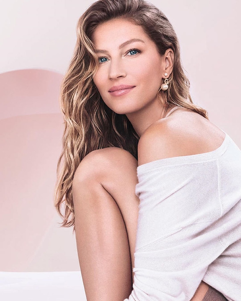 Gisele Bundchen goes flawless as she stars in the Dior Capture Totale Campaign