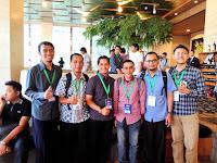 Foto bareng dengan teman-teman media