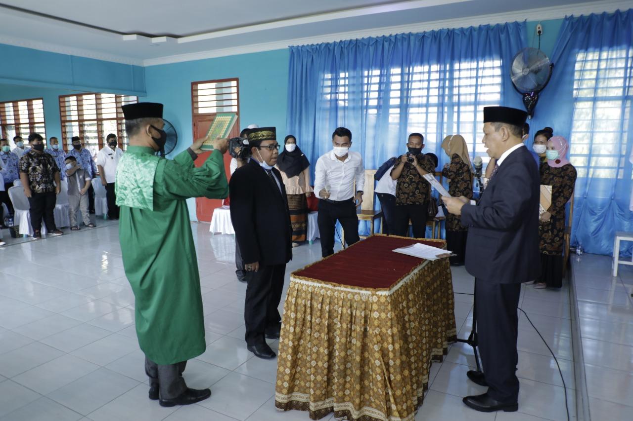 Prof. Dr. Drs. H. Tri Harsono, MSi Jabat Rektor Uiversitas Asahan  Masa Bakti 2021 – 2025