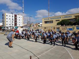 Campanha viver não tem idade realiza ginástica laboral na praça Getúlio Vargas em Picuí
