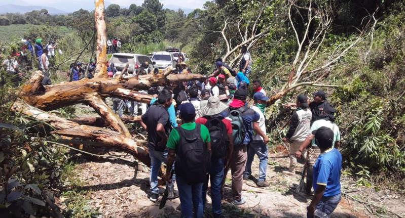 hoyennoticia.com, Atacada a tiros Minga en el Cauca:11 heridos