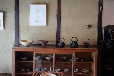 ジャパングラフのコンセプトショップ ナナクモ 全国各地の民芸品が並ぶ