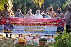 Kapolres Batubara Berikan Bantuan Sosial Kepada Warga Para Janda Kurang Mampu