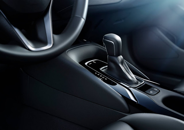 Toyota Corolla Hatchback 2019 - transmissão CVT 10 marchas