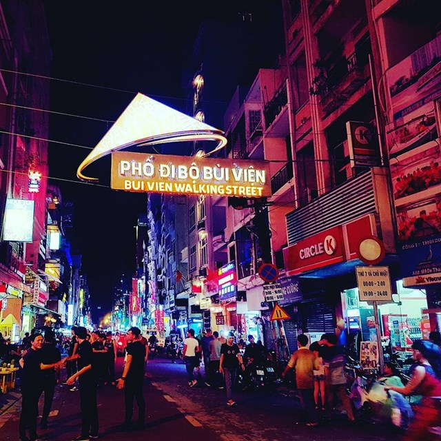 Walk around to enjoy Bui Vien walking street's  food