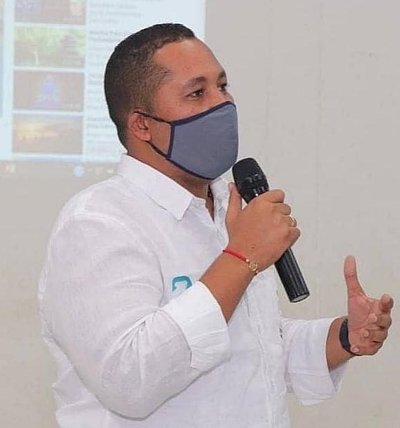https://www.notasrosas.com/Alcalde de Riohacha hace llamado para encontrar solución a despidos masivos en Cerrejón
