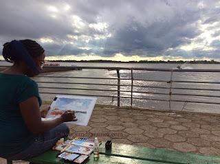 Sandra Nunes aquarelando no Guaíra