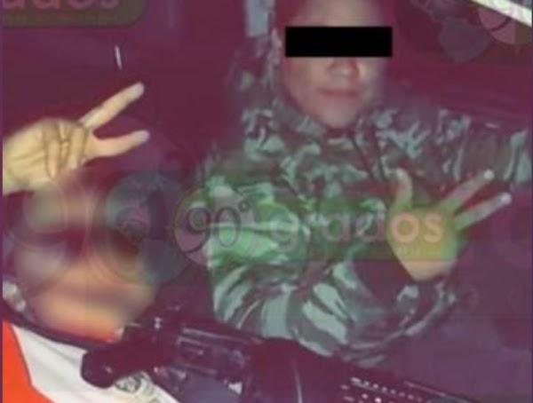 Niño se arma con ametralladora para ir a cobrar cuotas con Cárteles Unidos