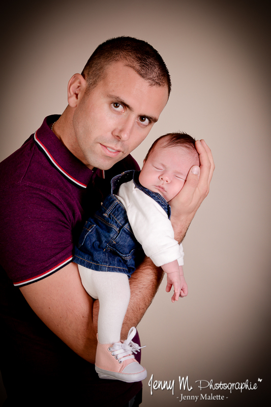 portrait papa bébé en studio vendée 85 la roche sur yon