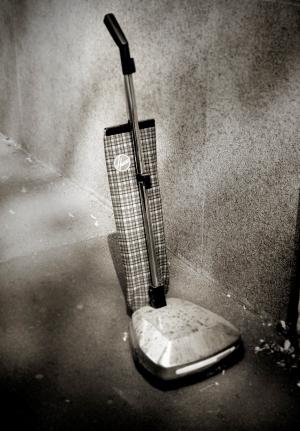 aspirapolvere-scopa elettrica-casa-pulizie-polvere