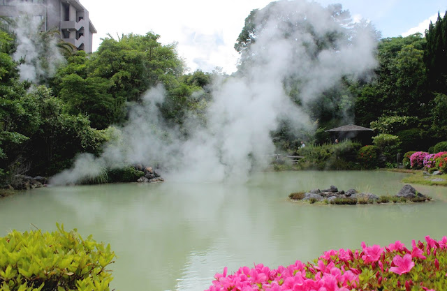 自然の不思議さを感じられる、別府温泉の定番、地獄めぐり【t】  白池地獄