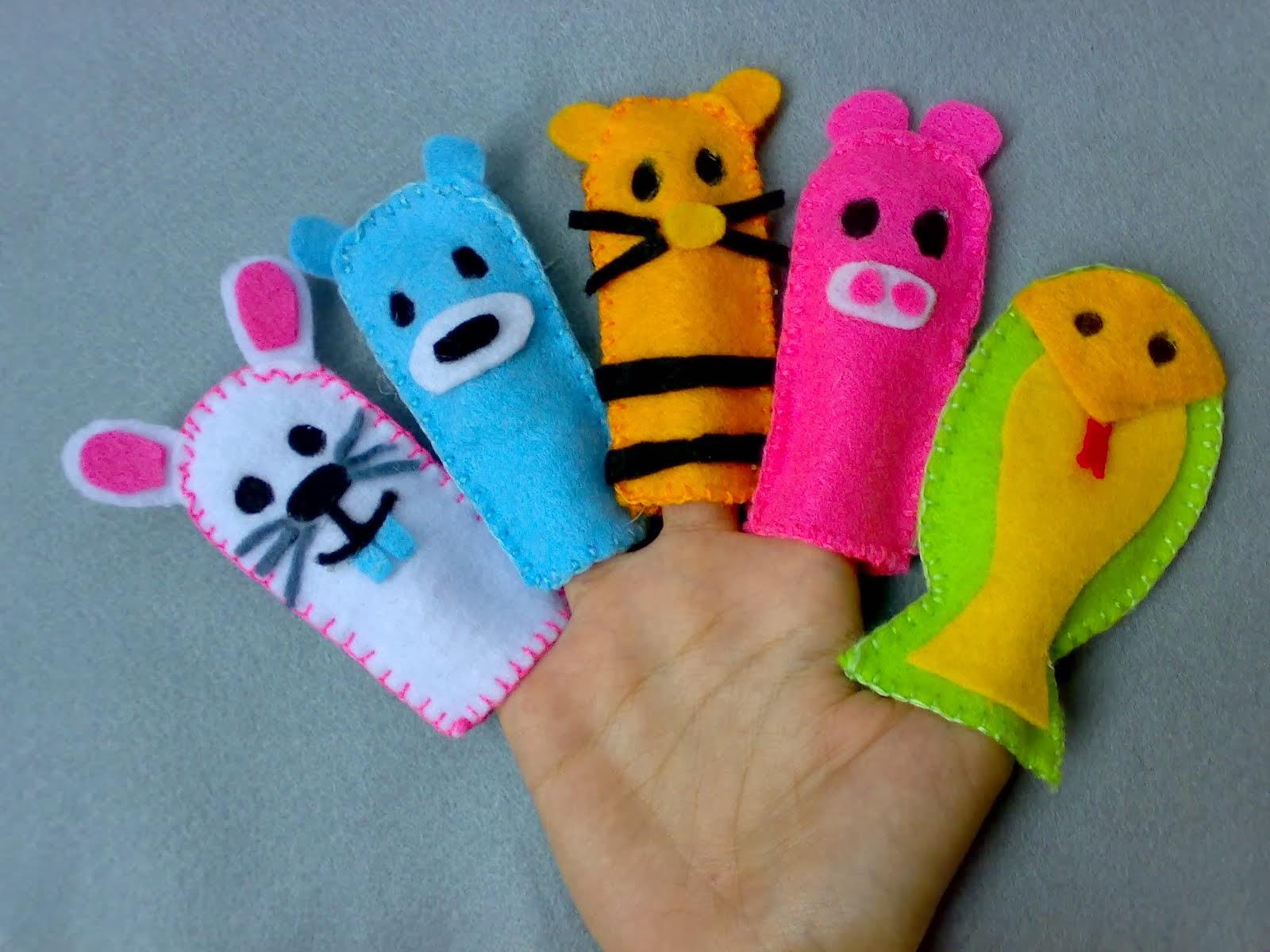 Sahabat gsm children care ministry membuat alat peraga dengan kain