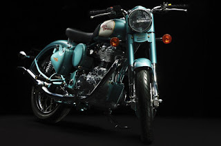 Front view of Royal Enfield Bullet 500.