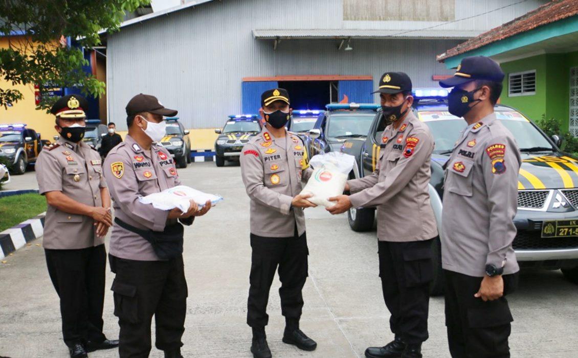 Bantuan 5 Ton Beras Dari Setneg Disalurkan Polres Kebumen