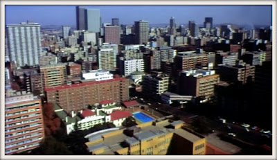 Johannesburg doubling for an American city in Percival Rubens' THE DEMON (1981)