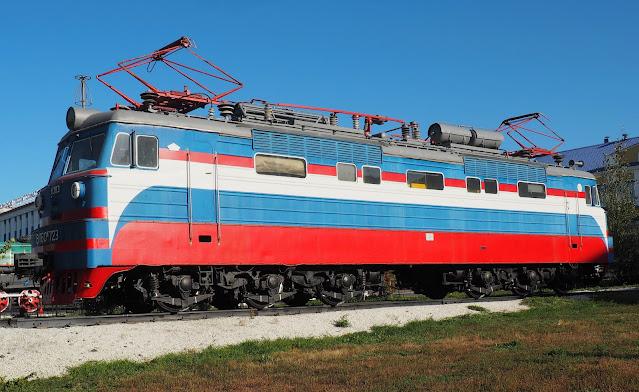 Памятник-электровоз - Улан-Удэ