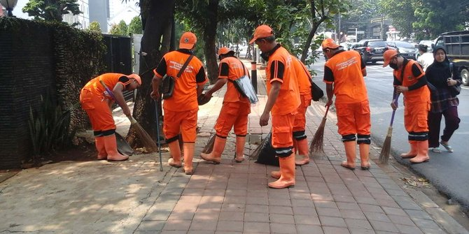 """""""Petugas Kebersihan DKI Jakarta"""""""
