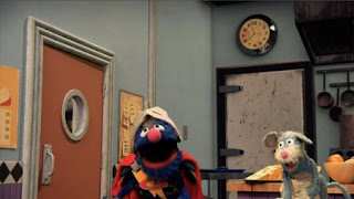 Super Grover 2.0 Wedge End is Up. super grover helps a mouse. Sesame Street Episode 4322 Rocco's Playdate season 43