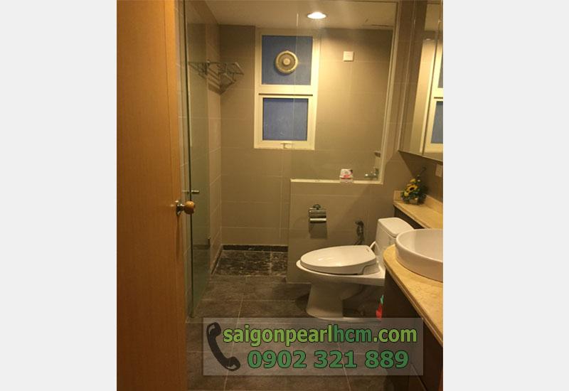 Cho thuê căn hộ Saigon Pearl tầng 33 tháp Topaz - phòng tắm