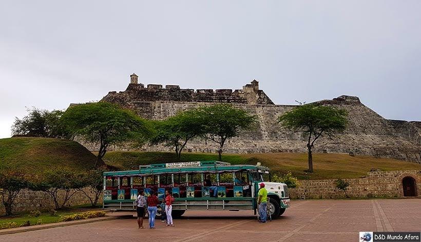 Passeio de chiva até o Castelo de San Felipe de Barajas, Cartagena: como visitar