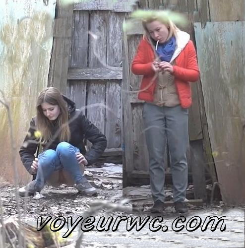 PissWC 255 (Many girls pee next to an abandoned toilet)